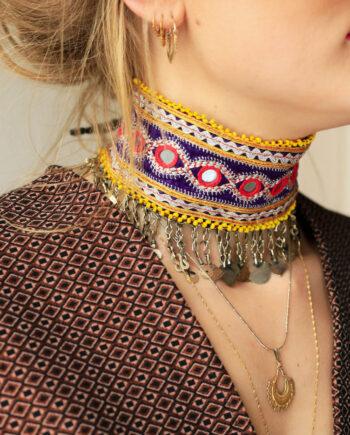 choker yellow beads purple